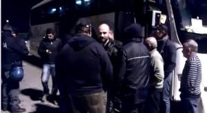 slide video controlli polizia ai tifosi crociati verso il san paolo
