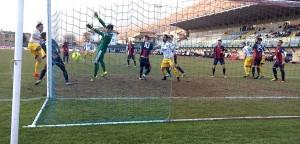 lumezzane-parma-0-2-gol-alessandro-lucarelli