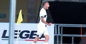Simone Edera esultanza dopo 1-2 lucchese parma foto Lorenzo Fava