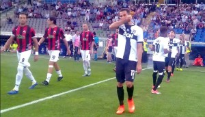 ingresso squadre in campo parma lucchese