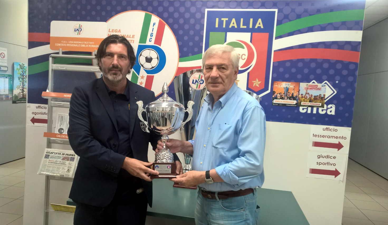 MISTER BAZZINI PAOLO BRAIATI PREMIAZIONE PARMA FEMMINILE 1^ CLASSIFICATO CAMPIONATO ECCELLENZA 2018 19 BOLOGNA 10 09 2019