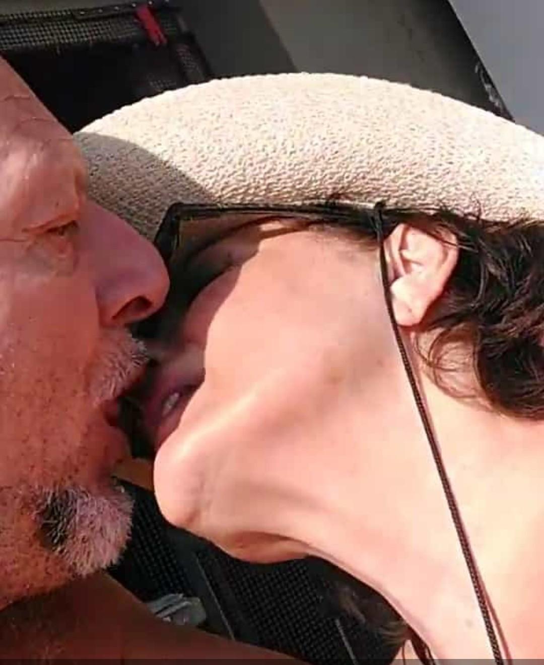 moosky burlesque bacio