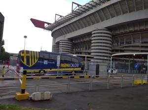 milan parma ingresso pullma crociato allo stadio meazza 15 07 2020