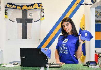 MISS GIORGIA CASSI MADRINA DEL DECENNALE DI STADIOTARDINI.IT – GUARDA LO SHOOTING FOTOGRAFICO COI SOUVENIR DAL CCPC